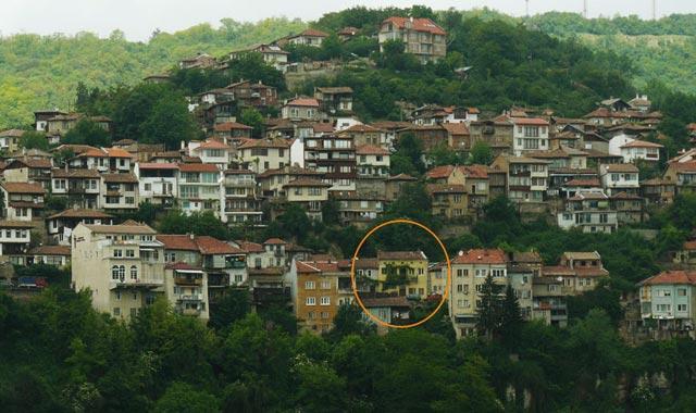Продава къща на 2 етажа във Велико Търново